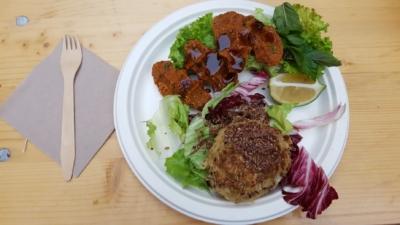 Hafer-Sauerkraut-Rösti und Cig Köfte