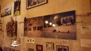 Djimalaya Wand mit Bildern