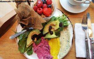 Kunsthauscafé Frühstück El Prado und Verlängerter - In Graz essen gehen Spezial