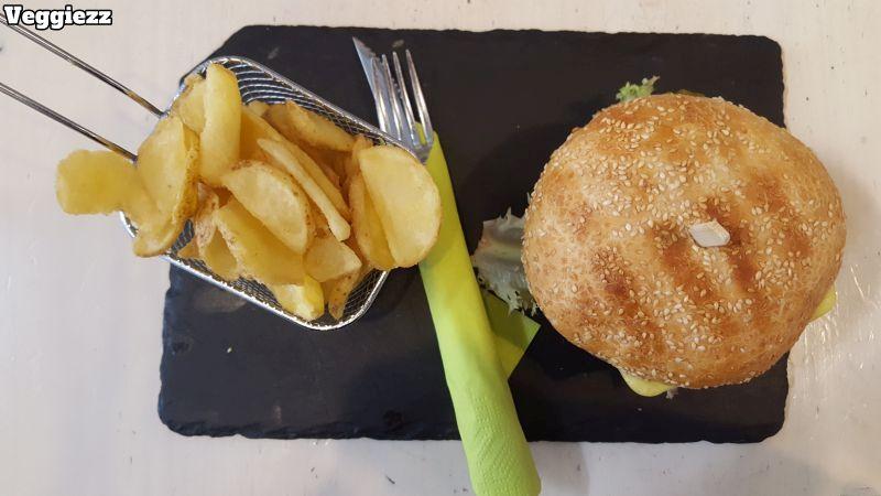 Veggiezz Smoky Burger