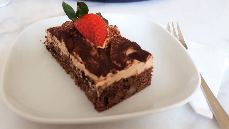Café Wohntraum chocolate cake