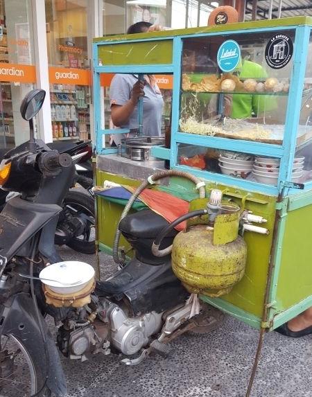 Streetfood Canggu. Moped Imbiss