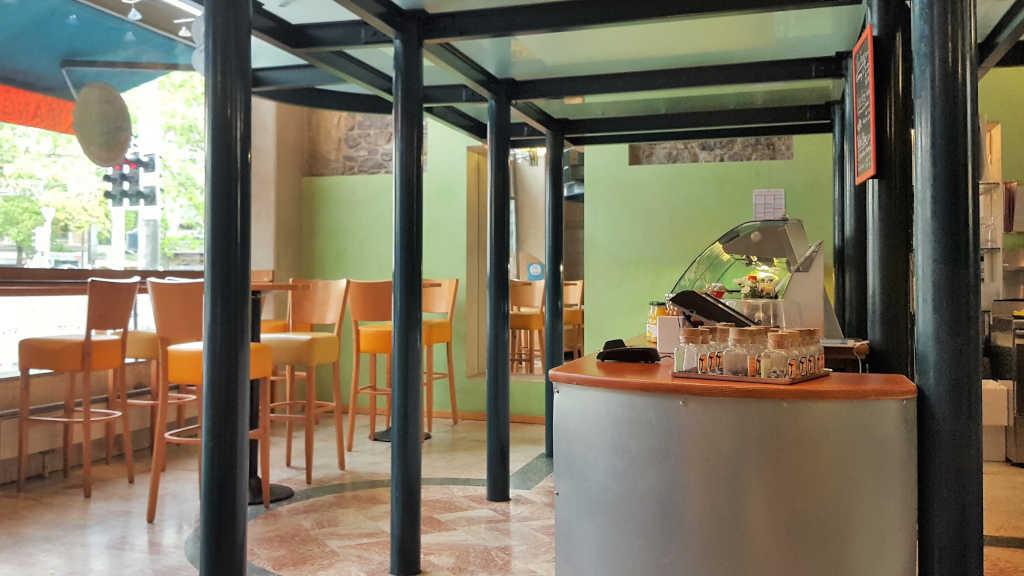 Vegans and non-vegans go out to eat in Geneva. Mango Deck interior.