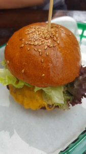Small Cheeseburger - lunch offer. Burger Special Berlin.