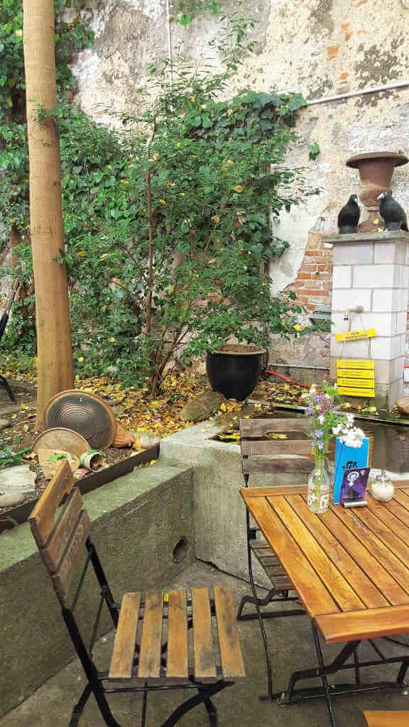 Eiscafé Acero backyard - Basel for vegans and non-vegans