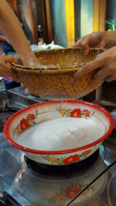 Cooking Class Chiang Mai - Making of coconut milk