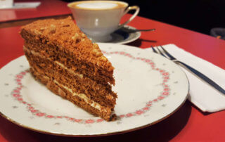 Winterfeldt Schokoladen cake and coffee