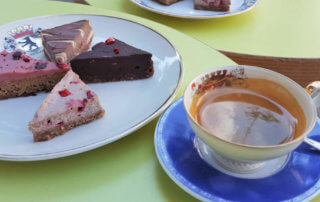 TRIVITYS Raw Petits selection and coffee