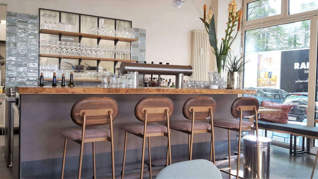 Osmans Töchter's bar at Charlottenburg restaurant